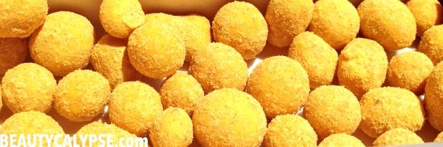 turmeric-coconut-balls-vegan-zotter