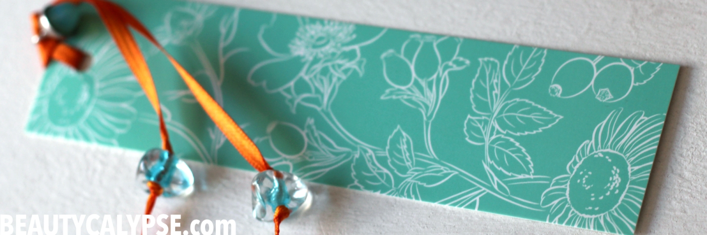 upcycled-packaging-bookmark-blue