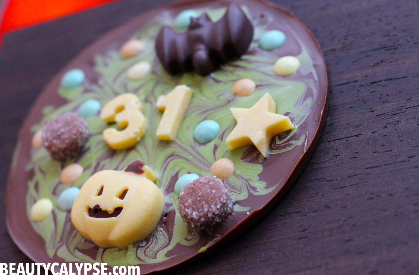 vegan-matcha-chocolate-halloween-bark-closeup