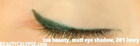 zao-beauty-review-matt-eye-shadow-swatch-201-ivory