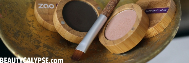 zao-beauty-review-matt-shimmering-eye-shadow-brown-gold-sand