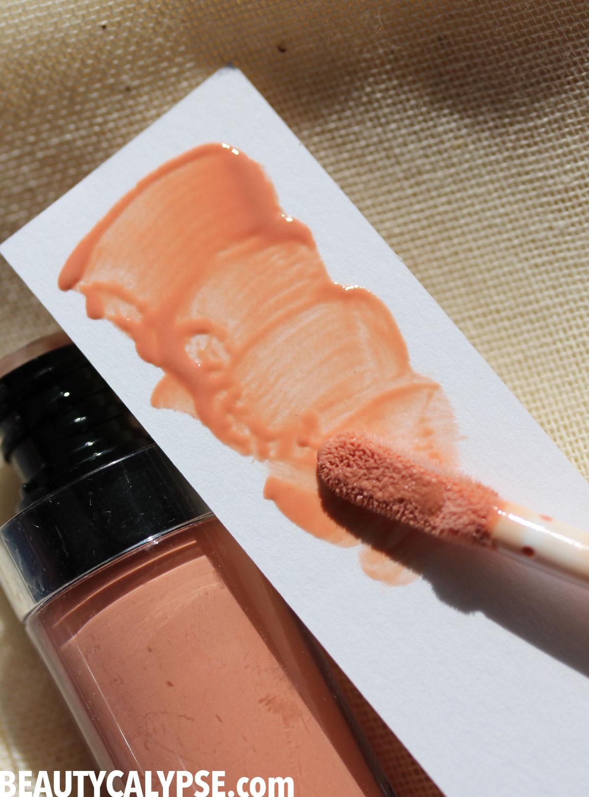 und-gretel-swatch-KNUTZEN-lip-gloss-3-matte-nude