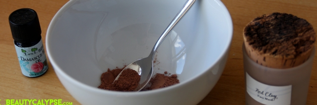 White-Witch_Red-Clay_Mask_How-to