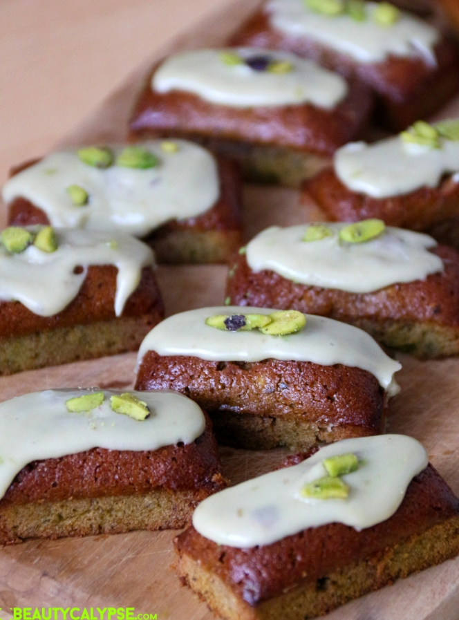 mini-financiers-pistachio