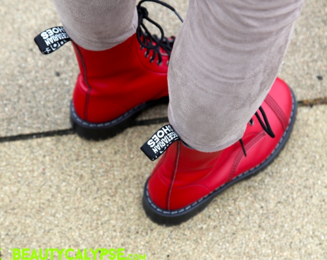 Close-up: Vegetarian Shoes Airseal Para Boots in red