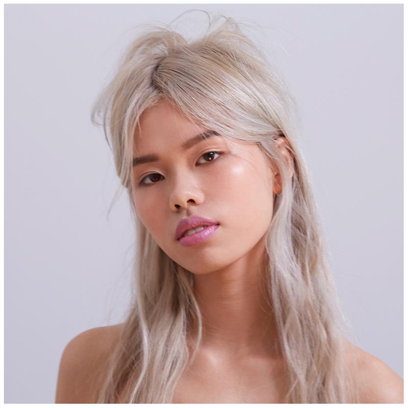 Model wearing Zao 613 Brow Pencil Makeup by Nat van Zee