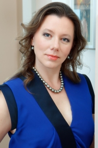Nataliya Polonskaya, MD, PhD, a dermatologist withan MSc degree in Preventive Medicine, co-founder of the Aesthetic Medicine Centre OPTIMED (Moscow) and co-founder of HL cosmetics