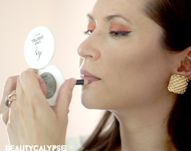 """GLOSSY RED"" Beauty Look: How To"