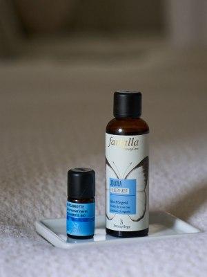 Farfalla organic jojoba carrier oil, bergamot essential oil low in furocoumarin