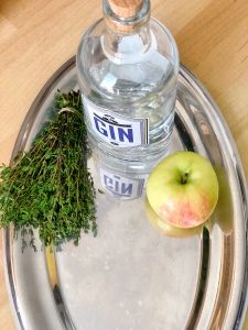 Gin Tonic With Apple & Thyme Recipe